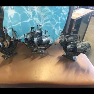 Set of 3 Metal Ships